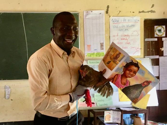 IMG_2920 Living Teaching aid Charles 2 year student ECC photo Elke Koeker